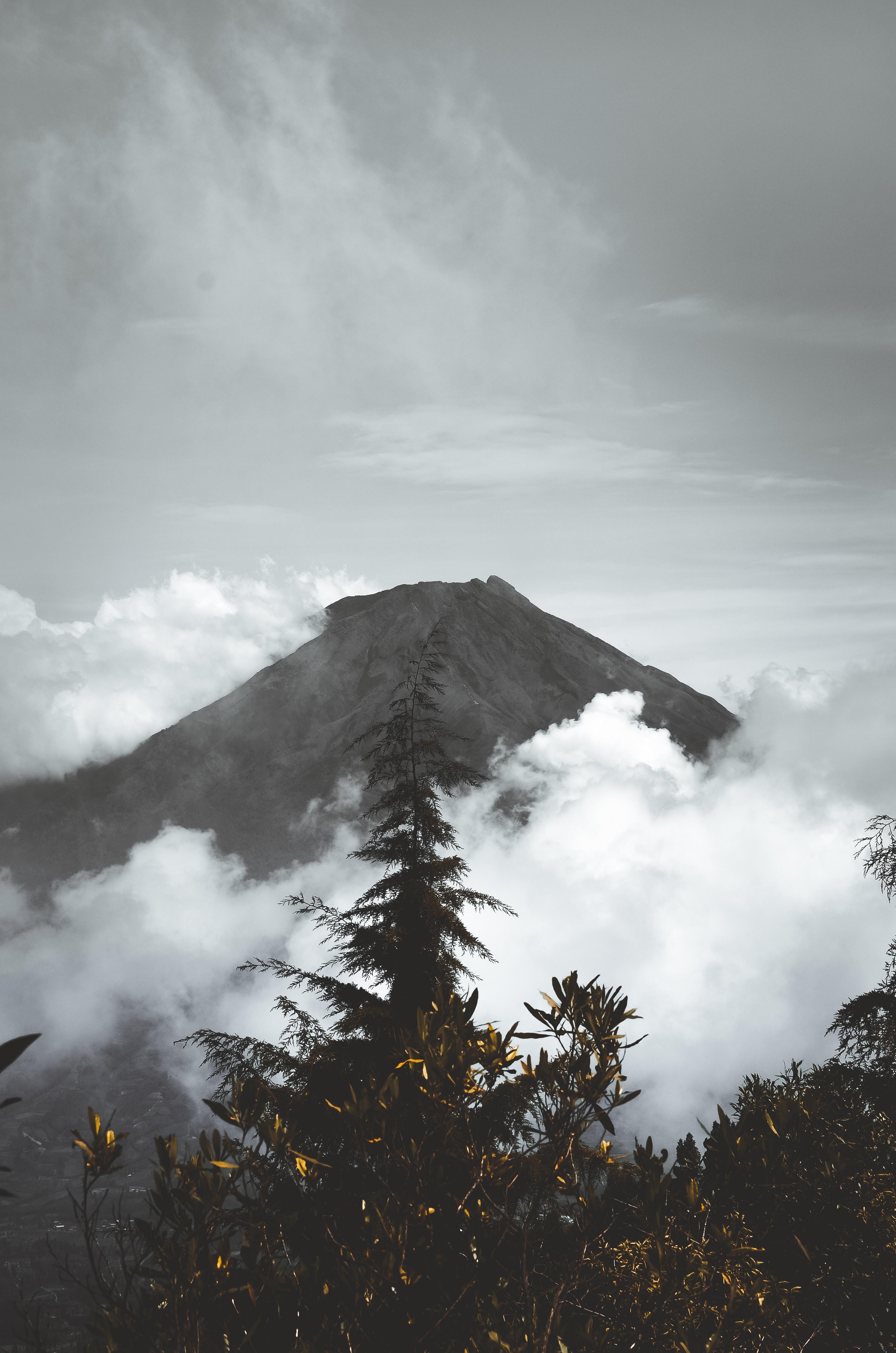 closeup photo of volcano
