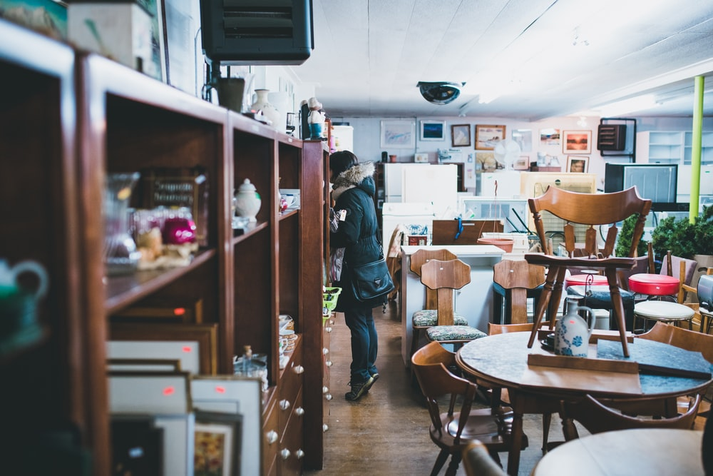 antiques and shopping in rockford illinois