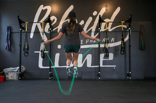 manfaat lompat tali untuk menurunkan berat badan