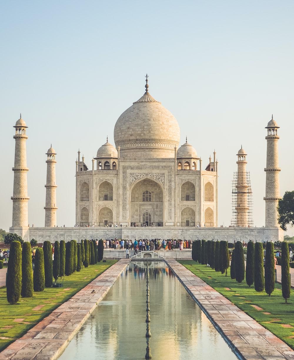Taj Mahal Pictures [Scenic Travel Photos]