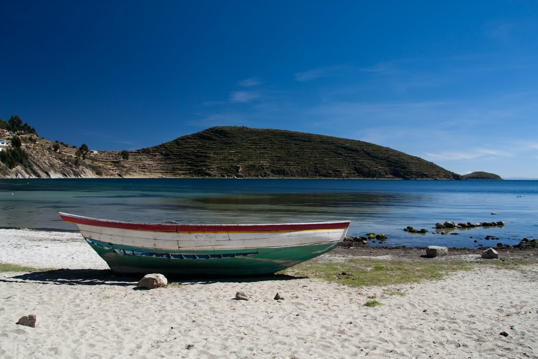 Arriving on Isla del Sol, on our way to the Chincana ruins, we walked along this colorful beach.