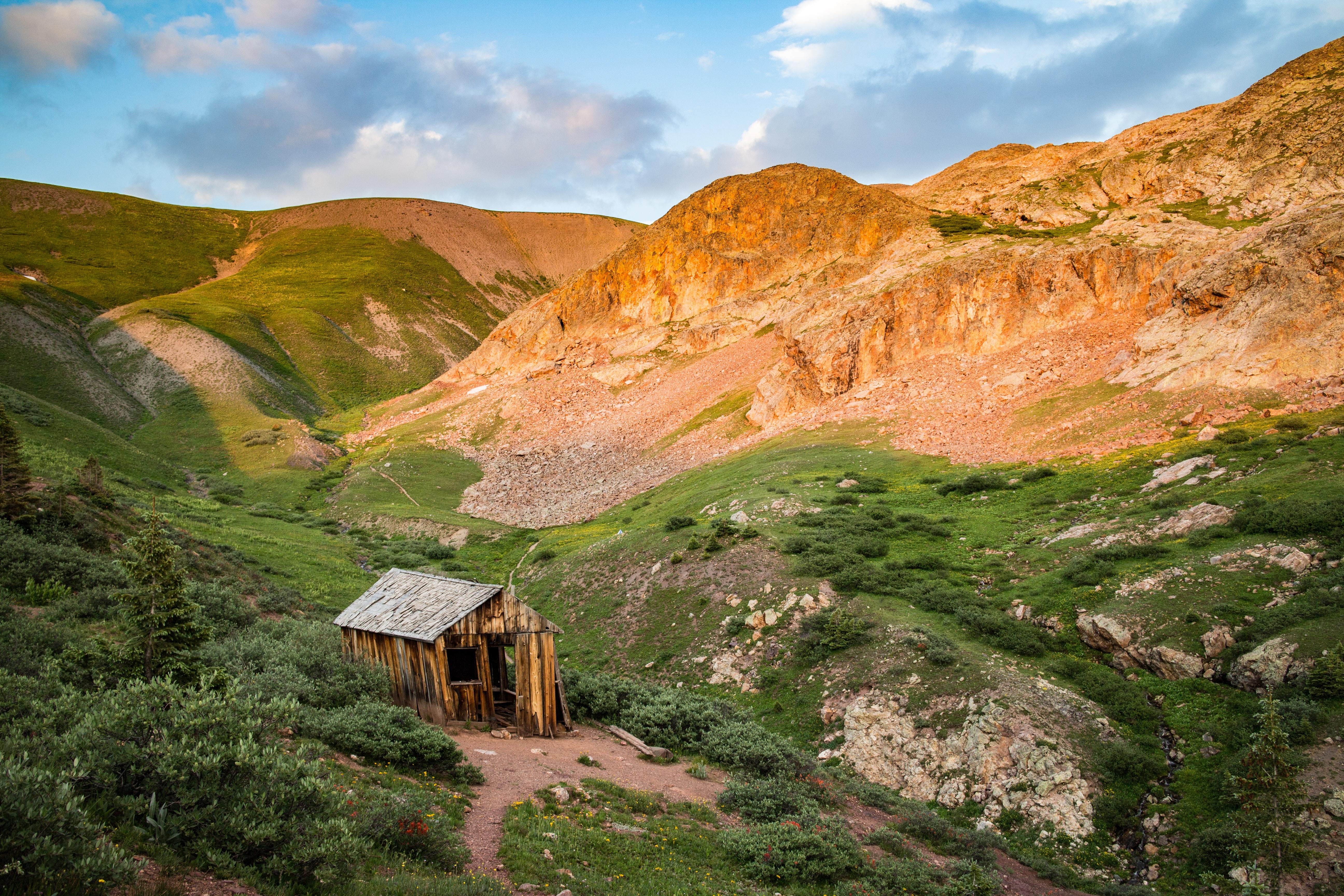 photo of house on mountain