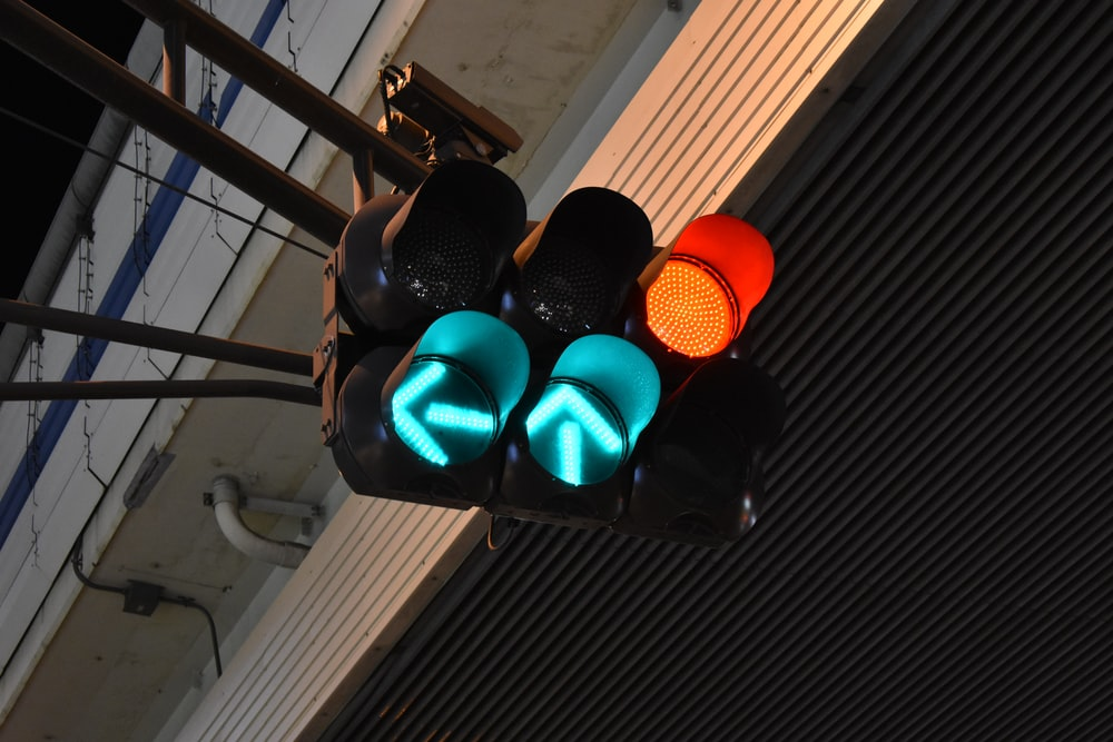 turn on traffic light