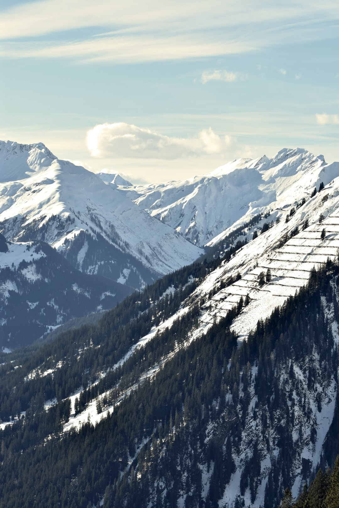 Took this photo on a daytrip to Jöchelspitze in austria while everyone was skiing we were sitting there with a camera