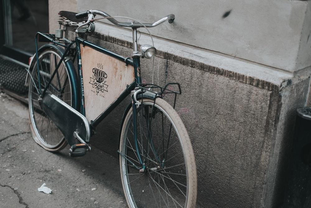 green rigid bike