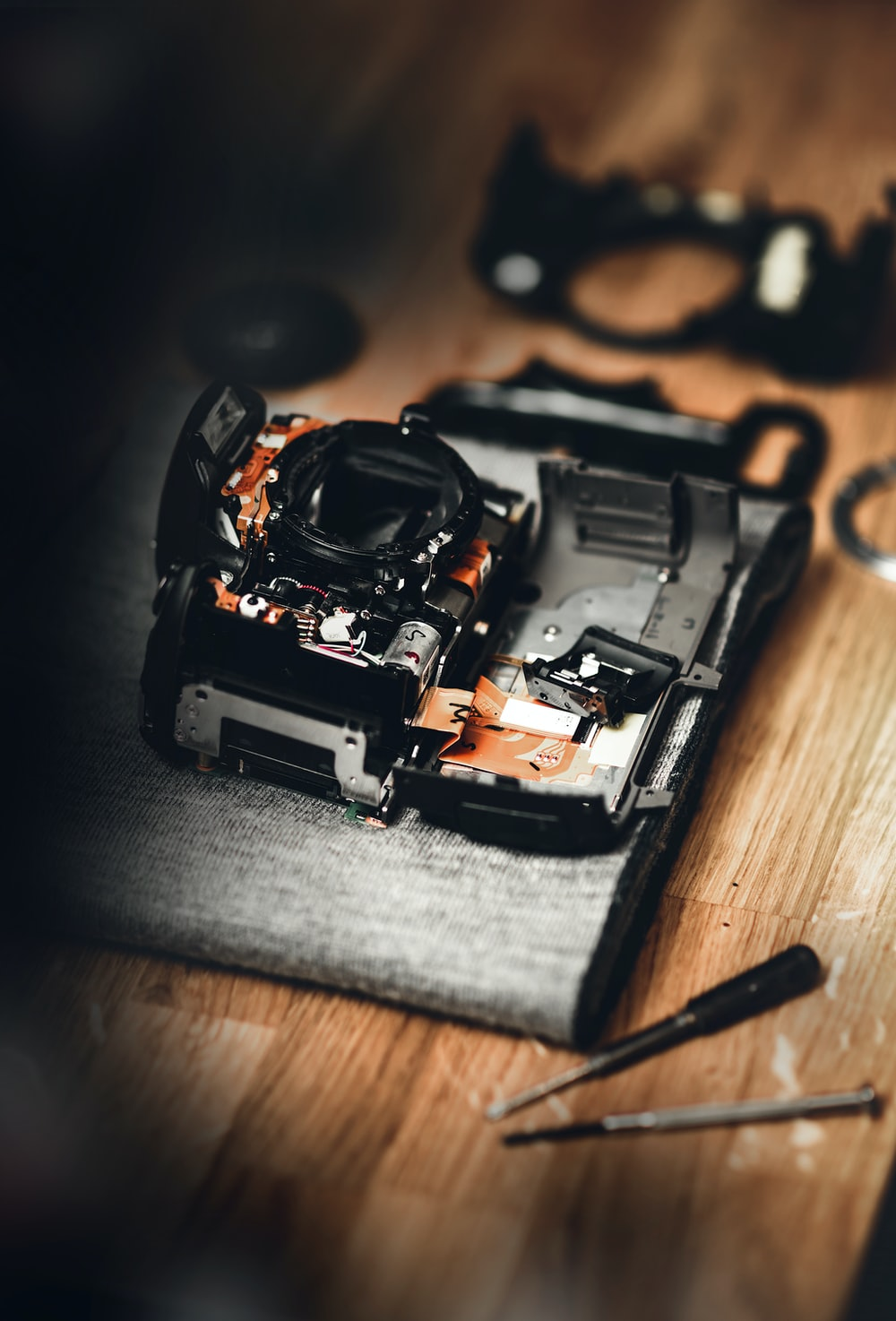 focus photography of gray and black DSLR camera