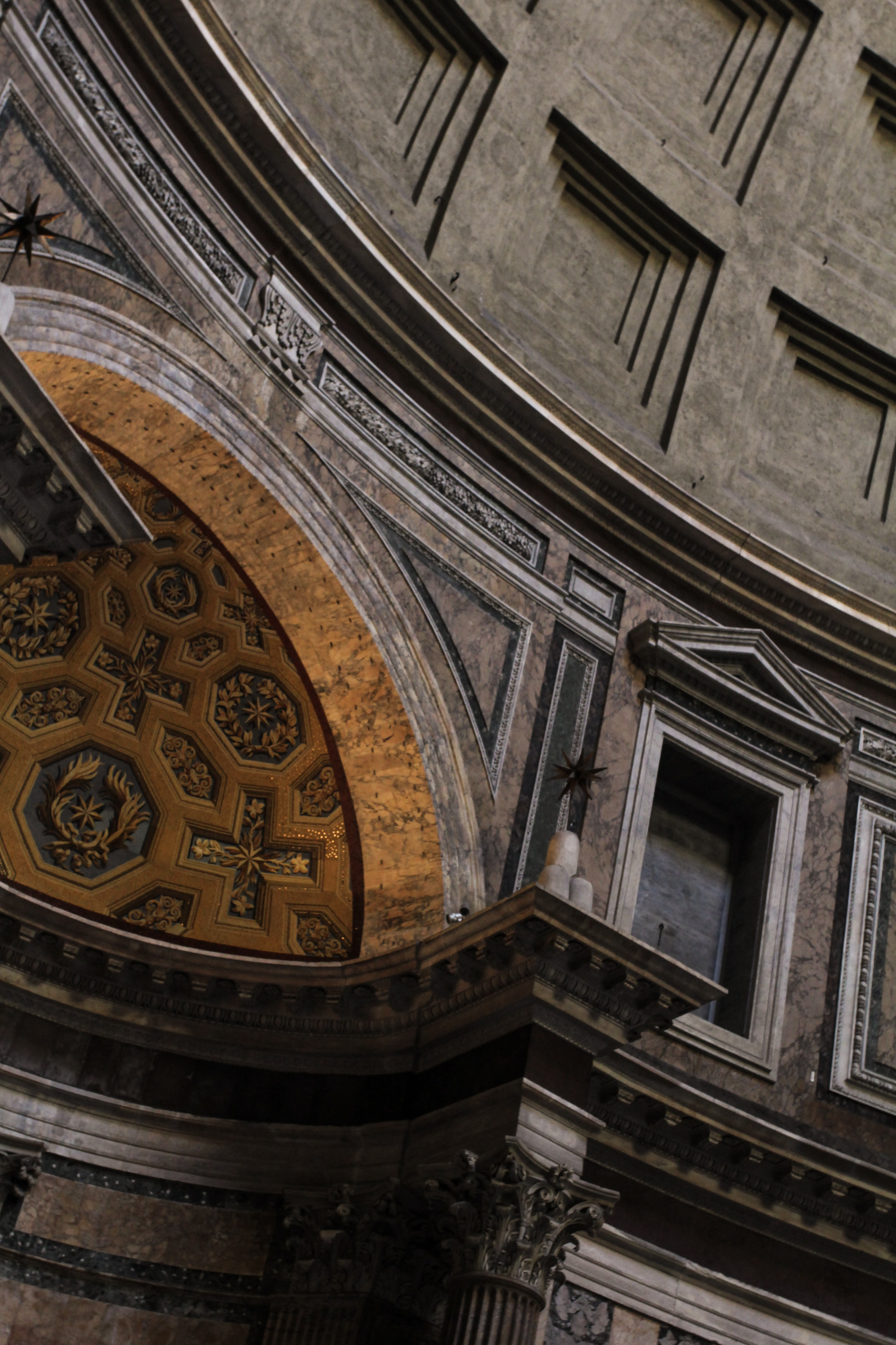 grey and brown dome ceiling building