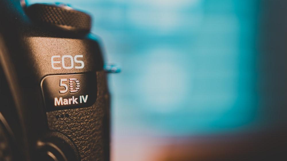 black Canon EOS 5D Mark IV closeup photo
