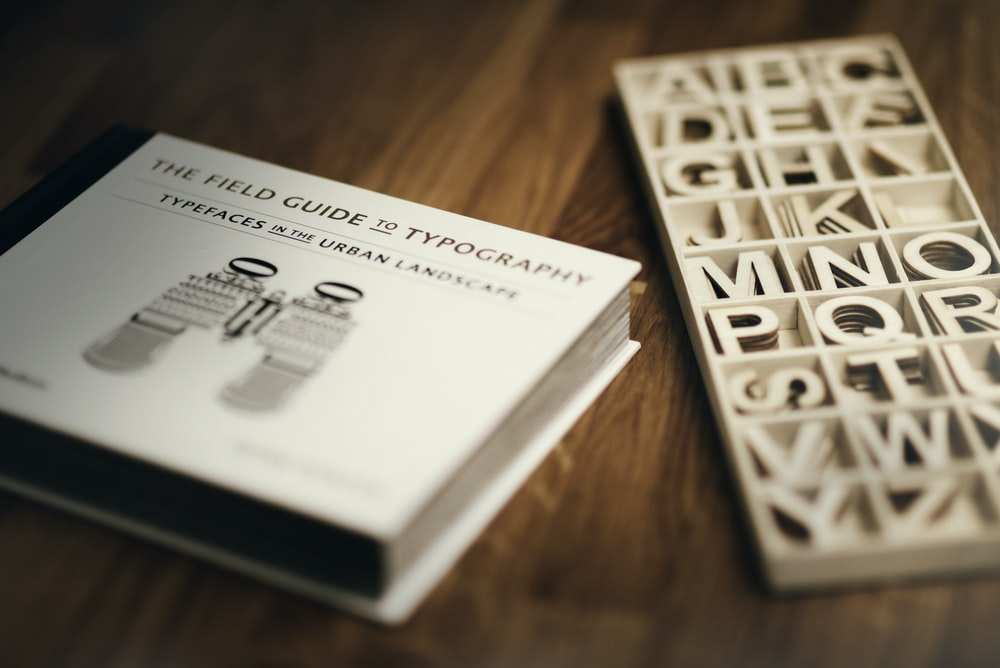 focus photography of The Field Guide To Typography book