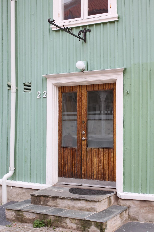 brown wooden door 22