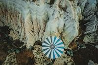 white shell with umbrella decor