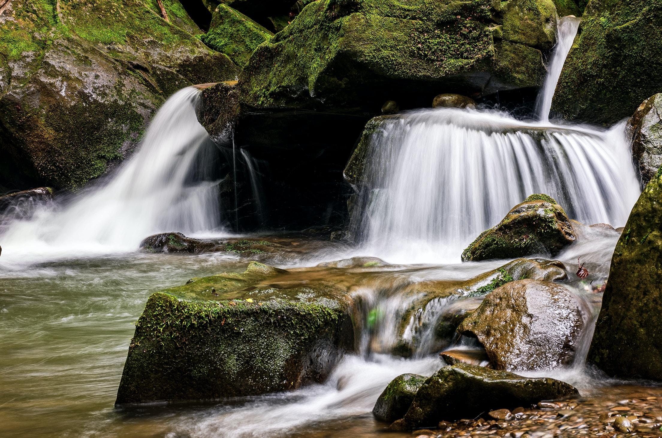 falls on rock