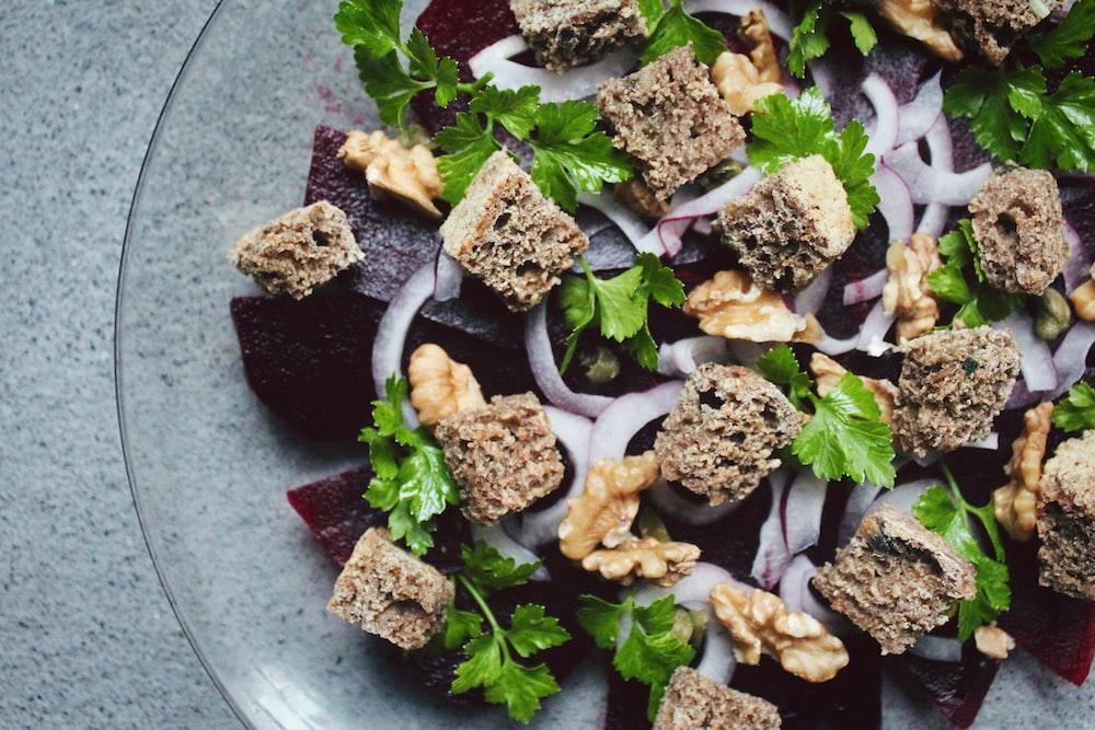 crutons and salad dish