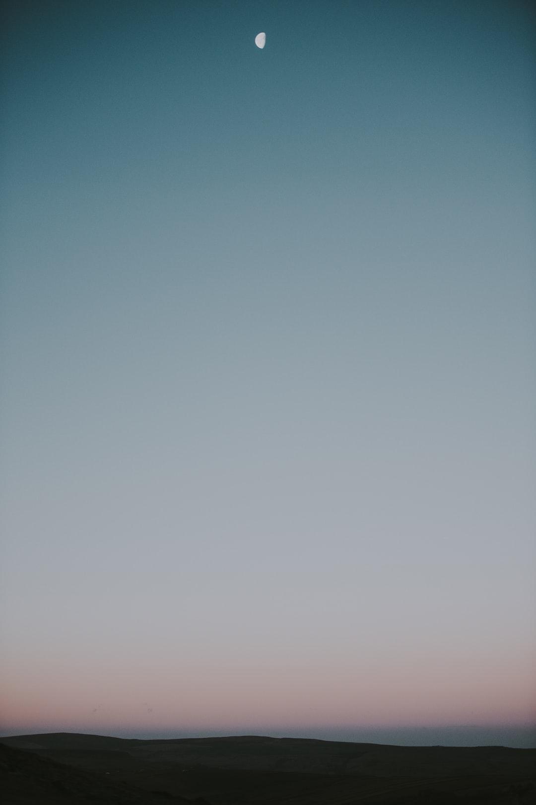 Morning light, goodnight moon