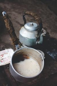 coffee pot beside kettle