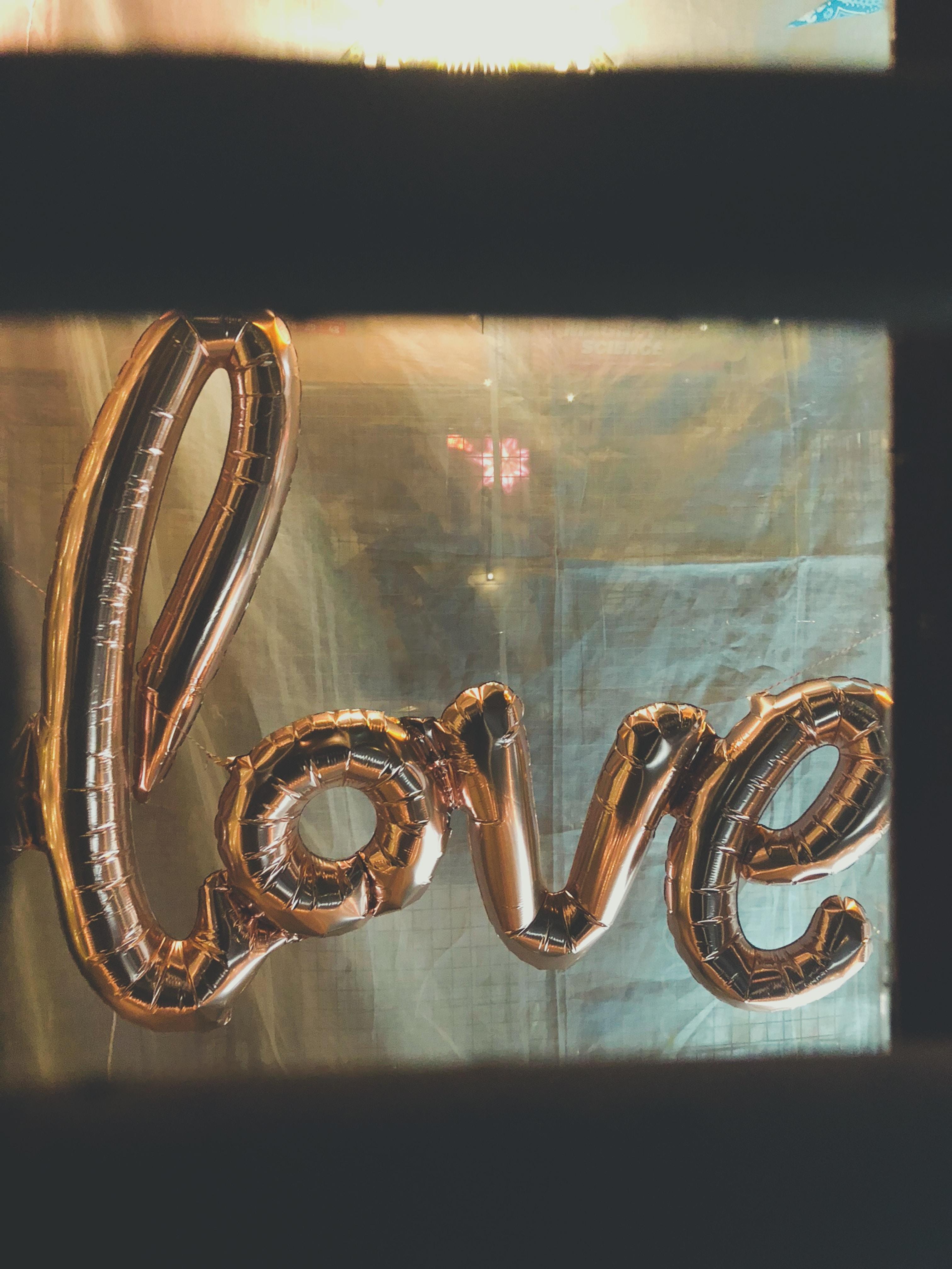 gold love foil balloon