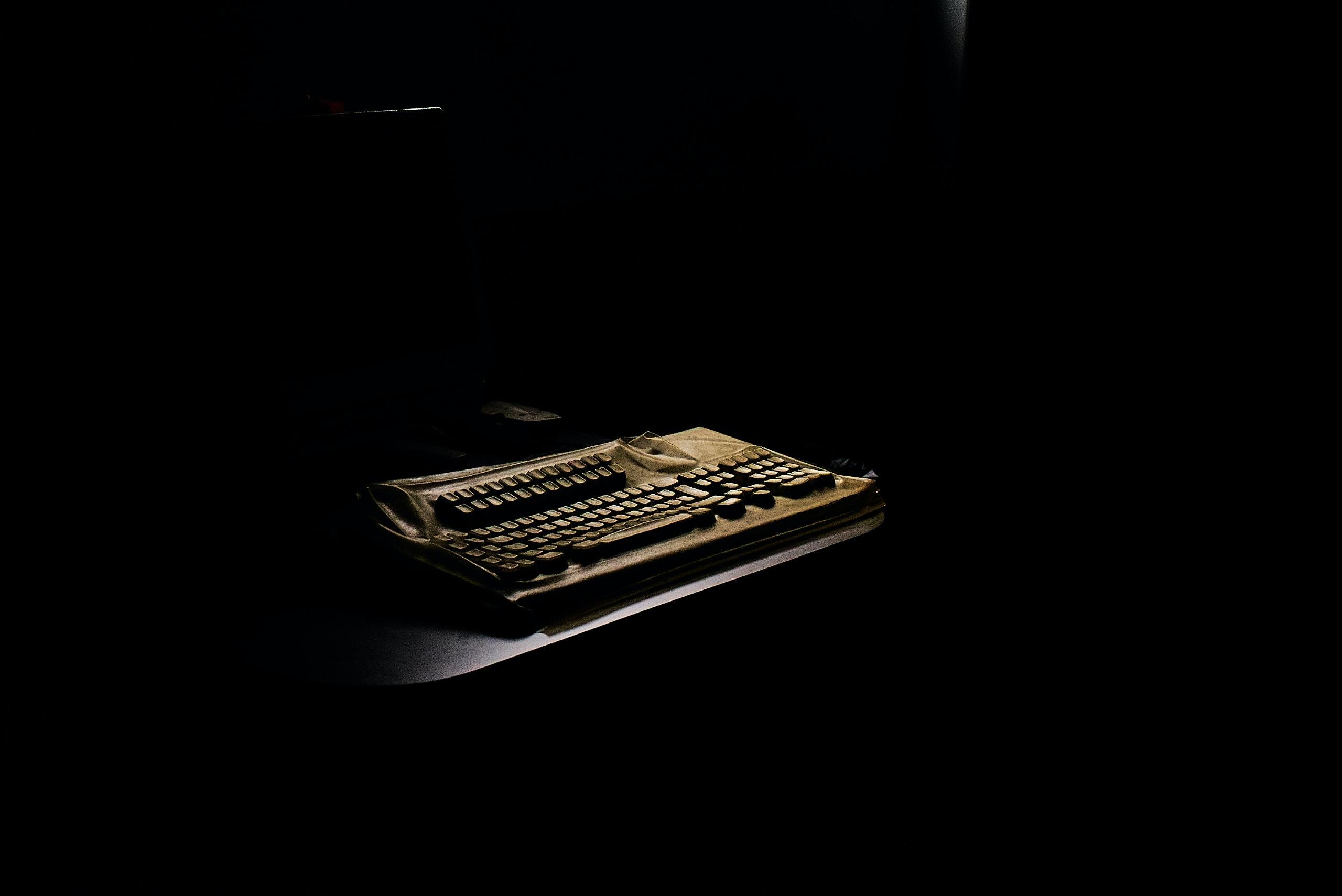black and brown keyboard