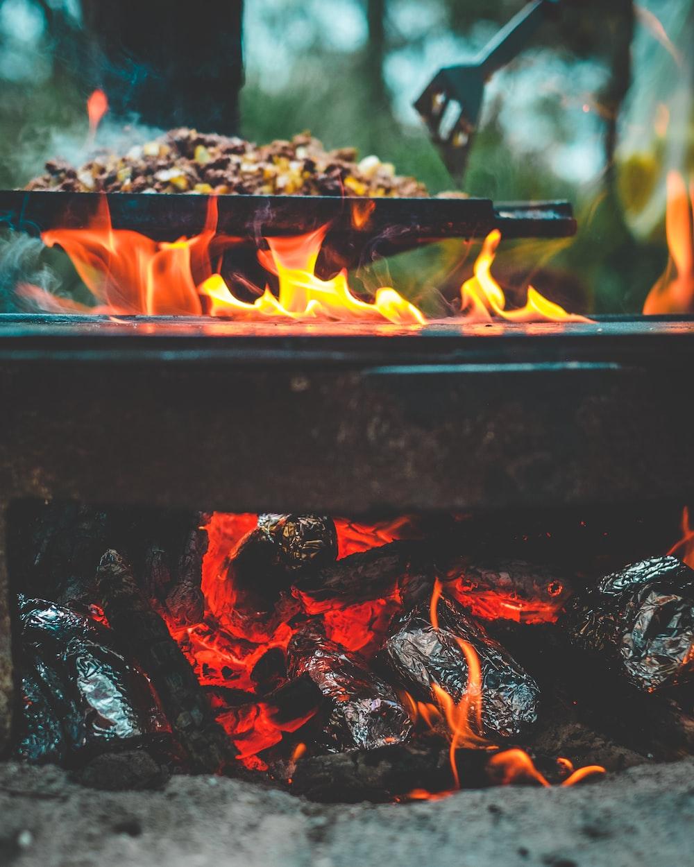 black steel cooker