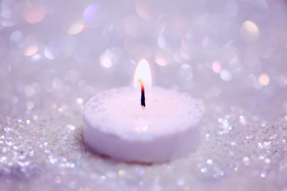 白い火のキャンドル