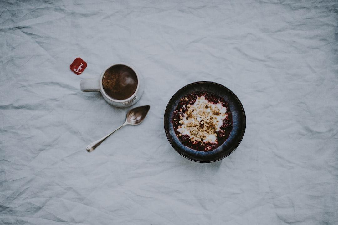 Breakfast, granola, yoghurt, berries, tea