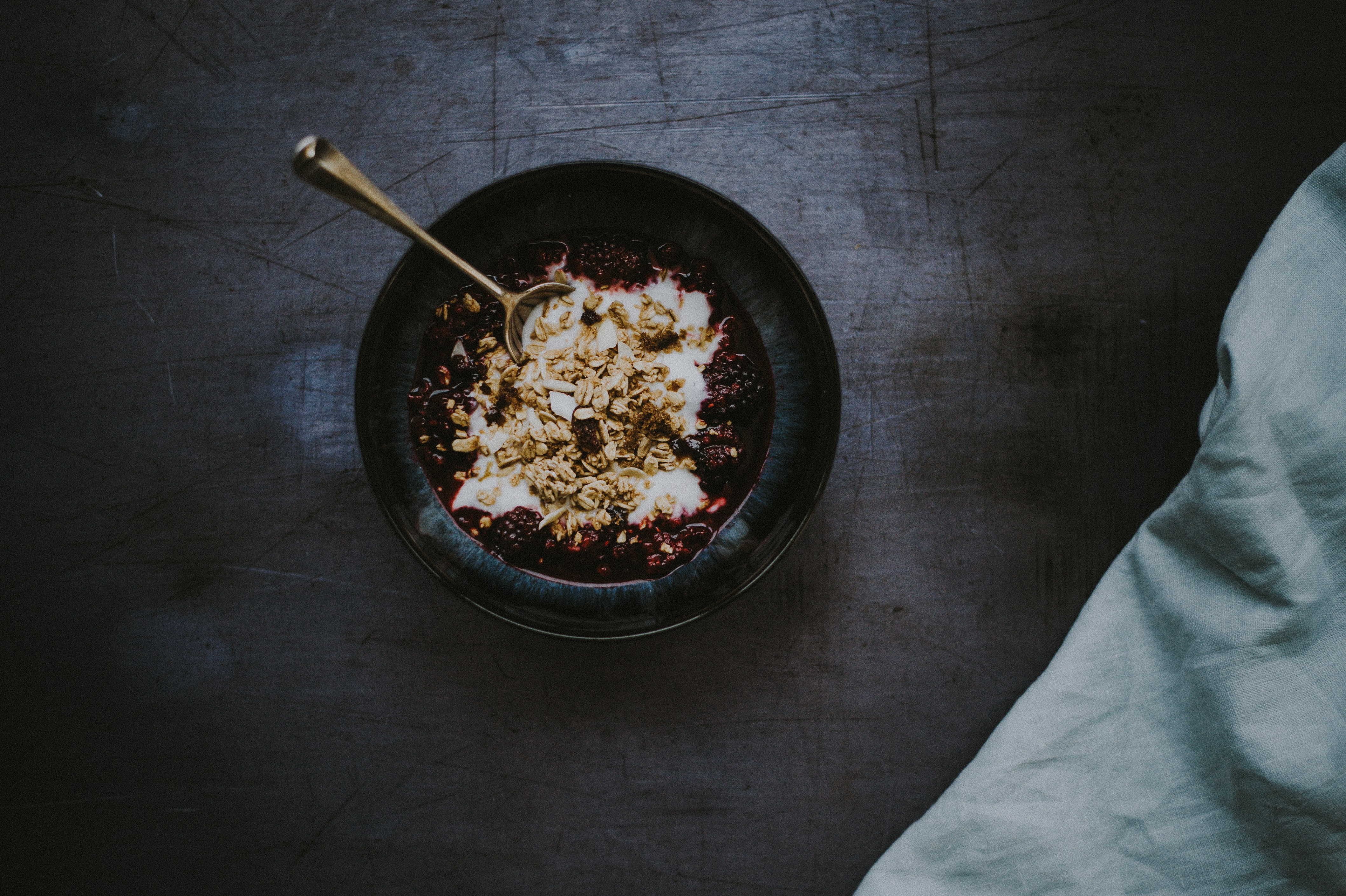 round black bowl with spoon