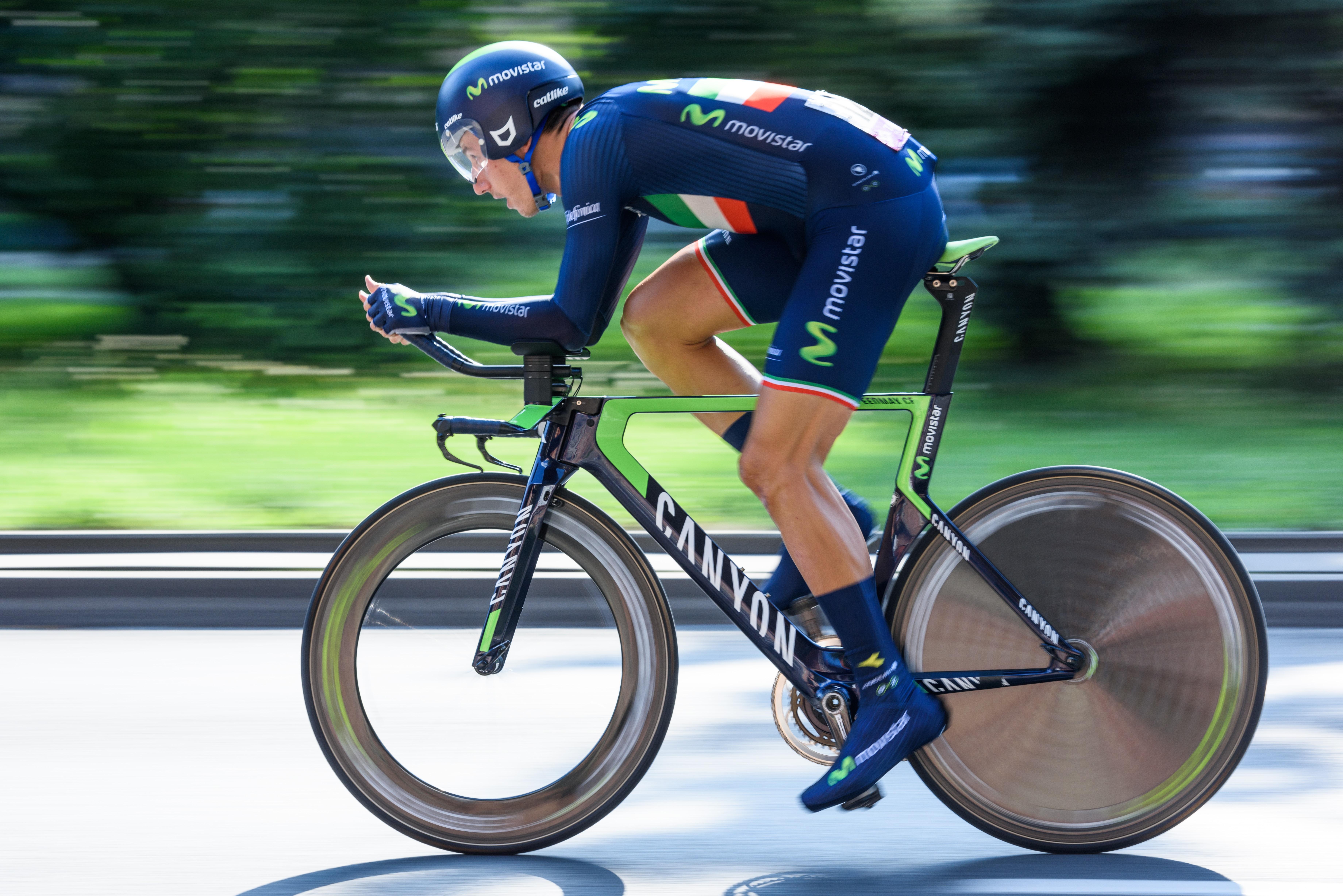 man in triathlon bike