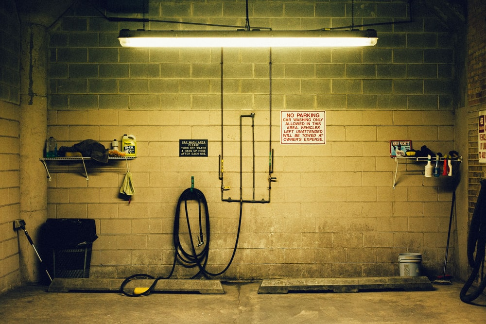 27 Garage Pictures Download Free Images On Unsplash