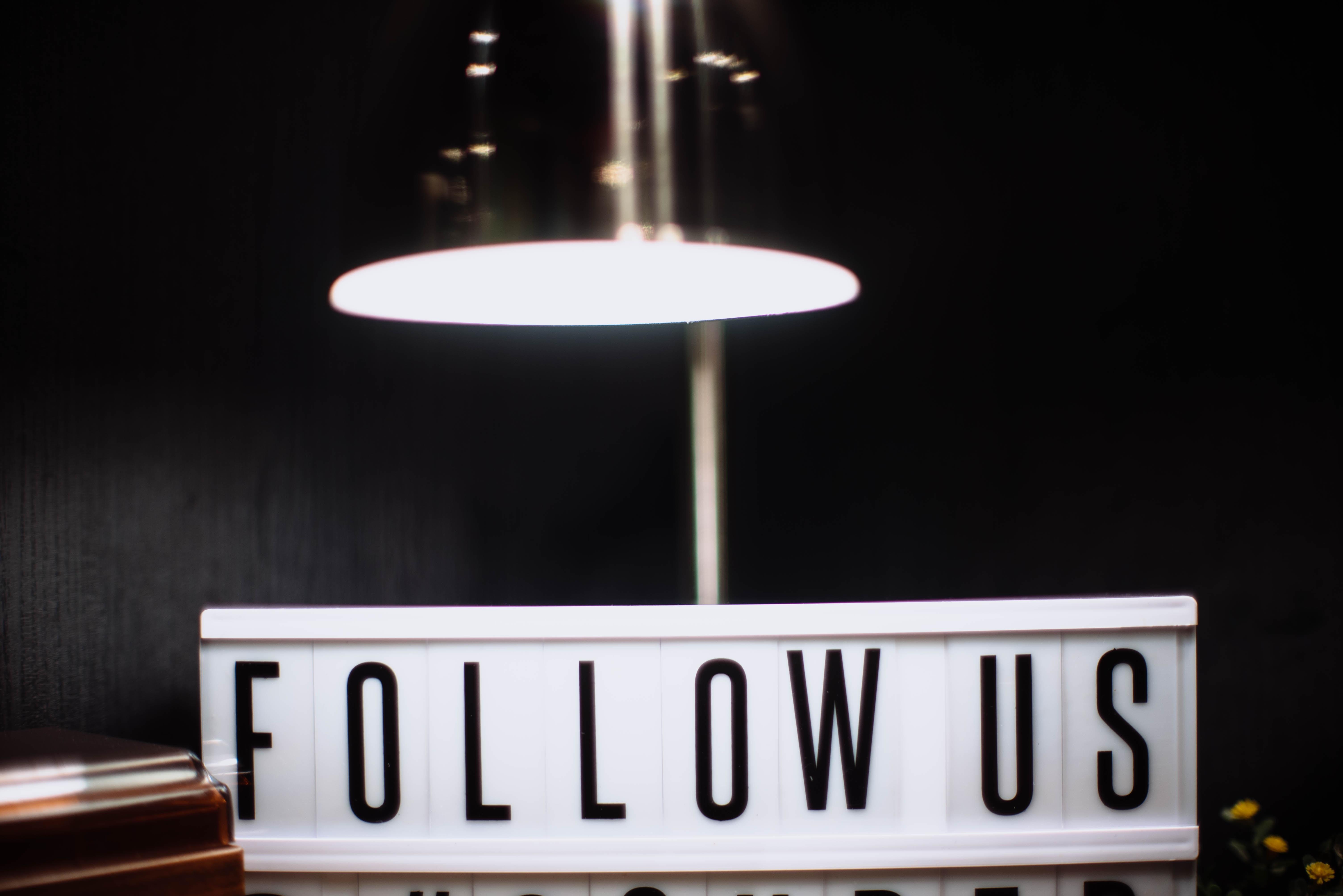 white follow us table decor