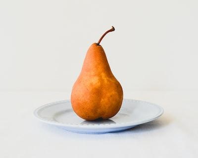 gruszka-na-talerzu