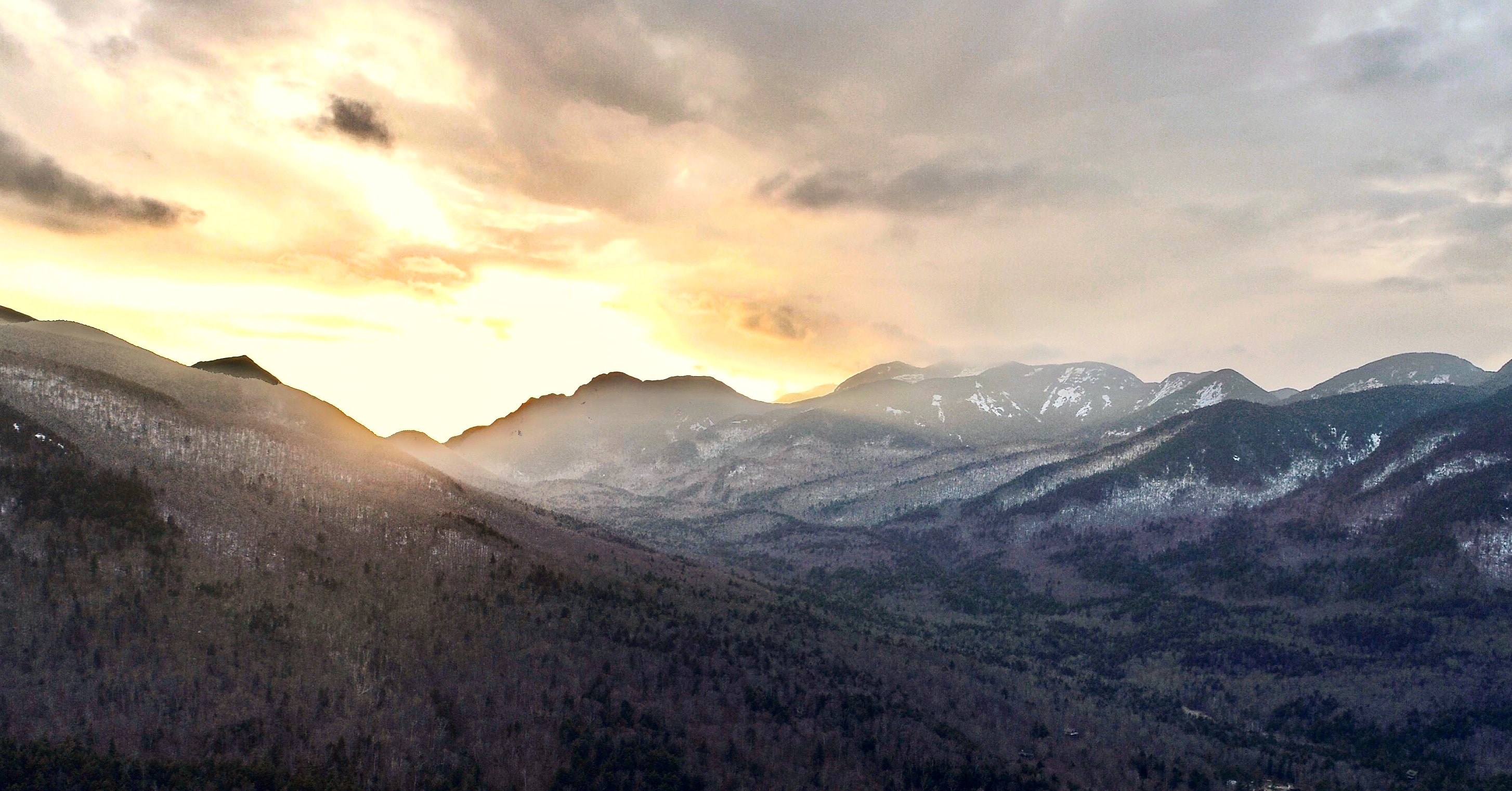 mountain scenery during sunrise
