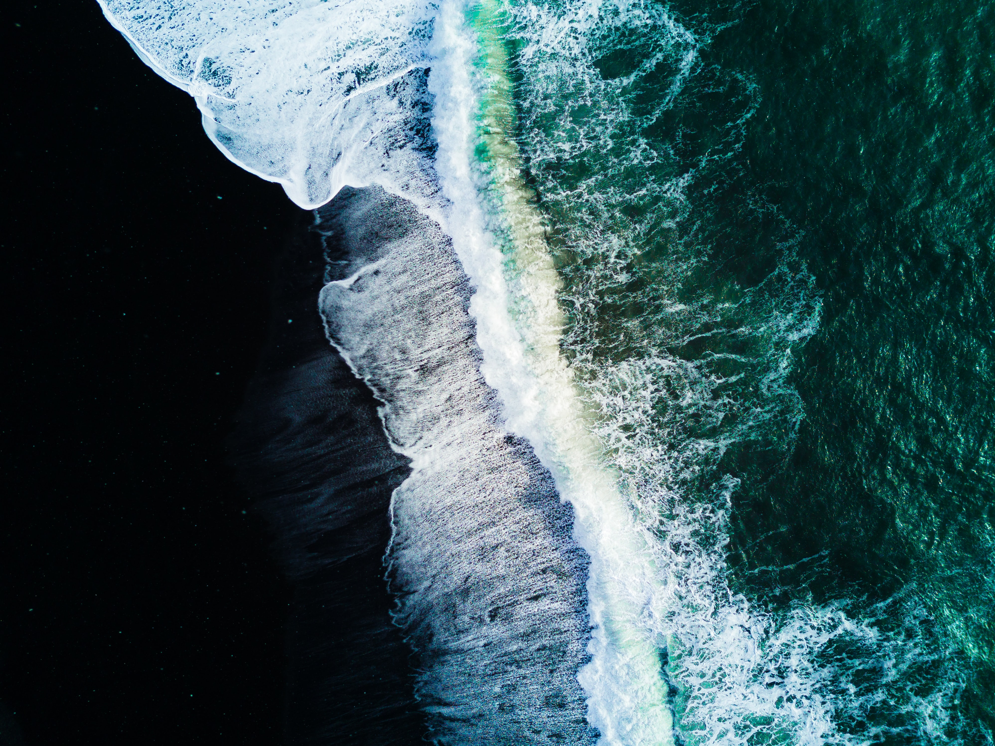 waves on body of water