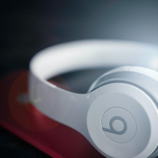 Fones de ouvidos com 50%de desconto