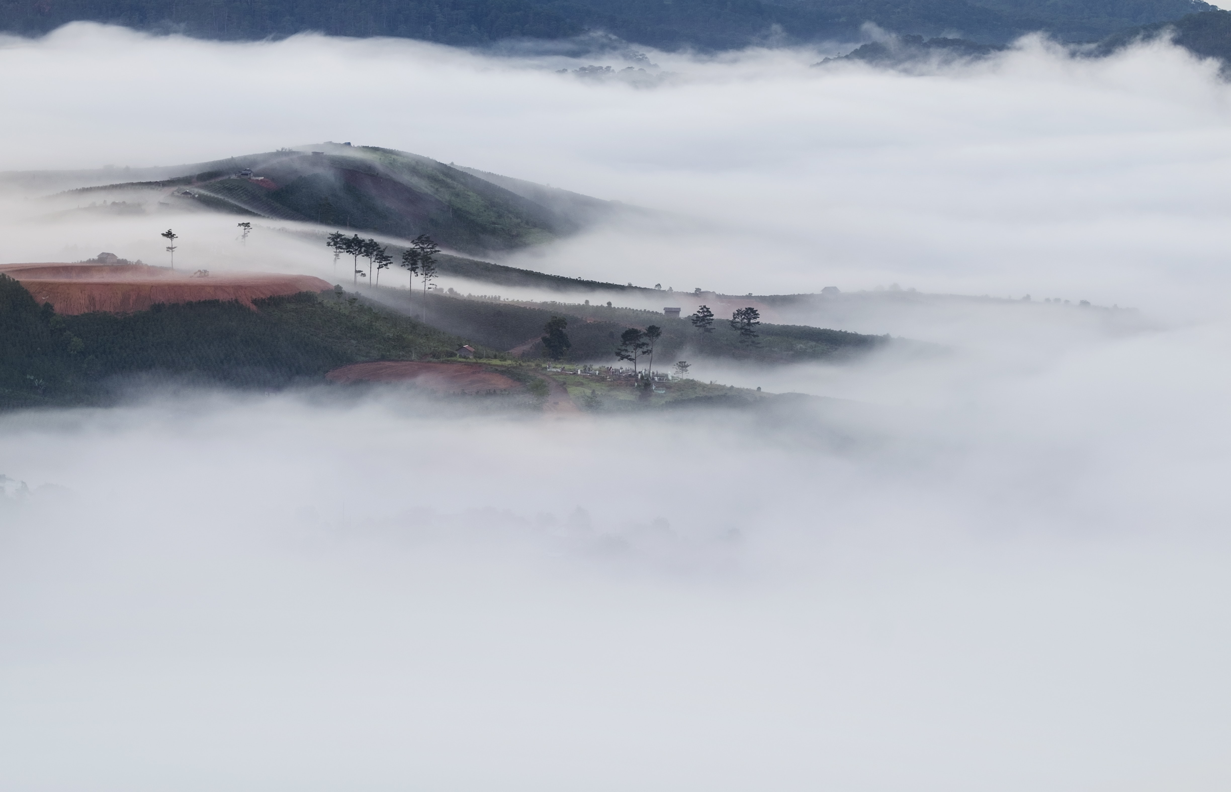 top view mountain with sea of clouds