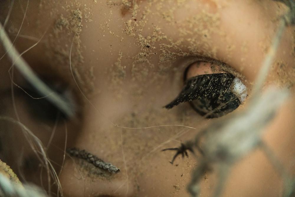 closeup photo of doll