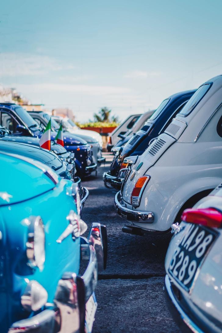 La Fiat negli anni venti seguiva il concetto di auto per tutti. Per realizzarlo nel 1939 nasce la prima versione della 500, l'utilitaria della casa automobilistica torinese finalmente sfreccia sulle strade