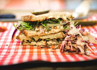 shallow focus lens photography of sandwich
