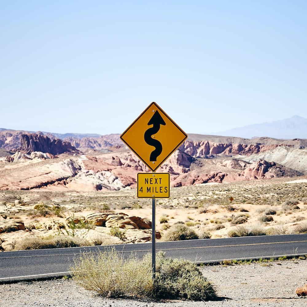 curve road signage