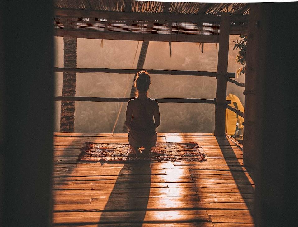 瞑想 やり方 コツ 簡単