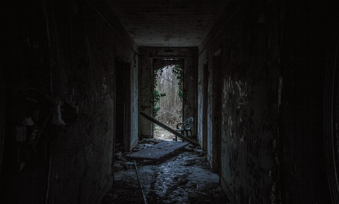Темной комнате фото