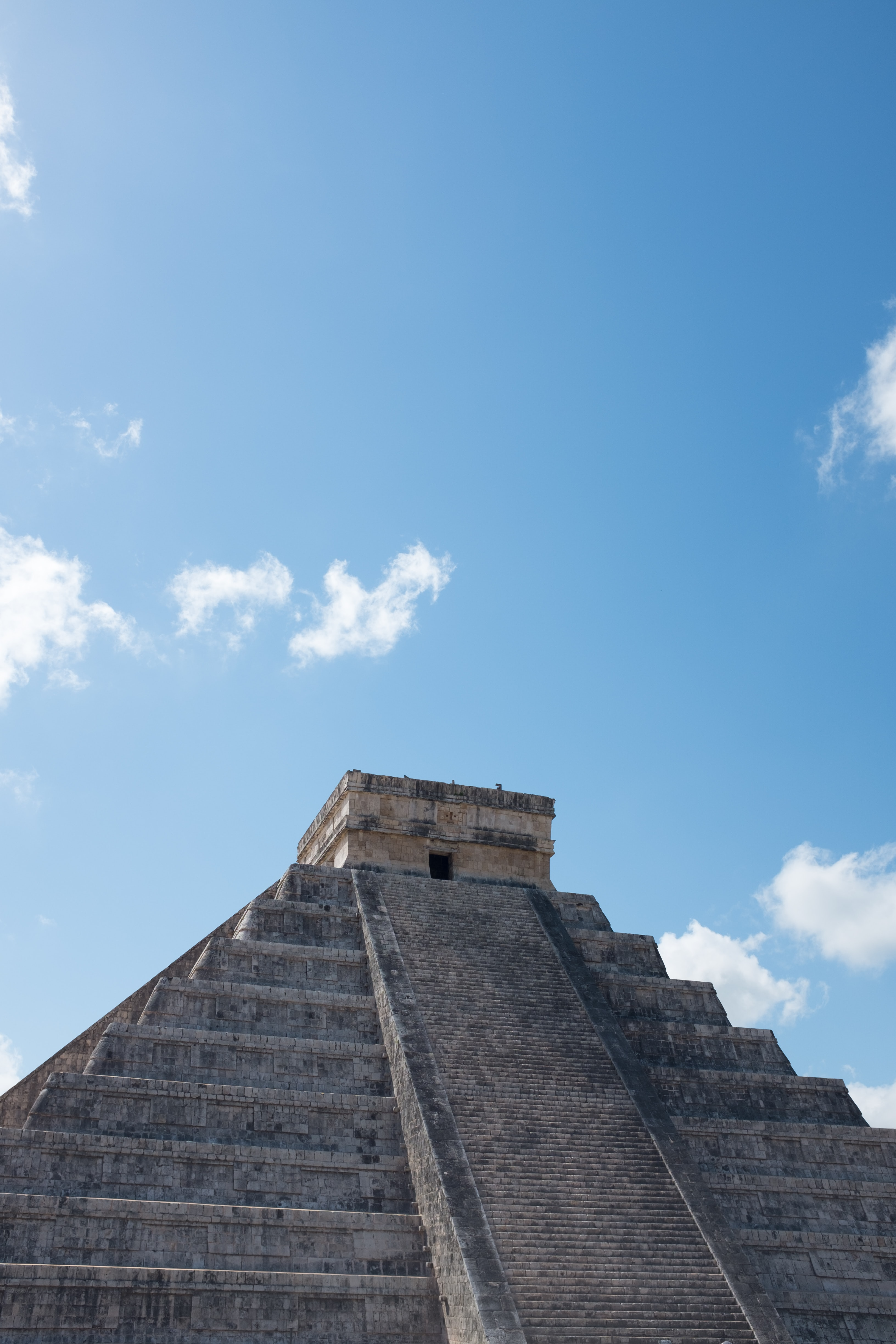 Mayan temple during daytime photography