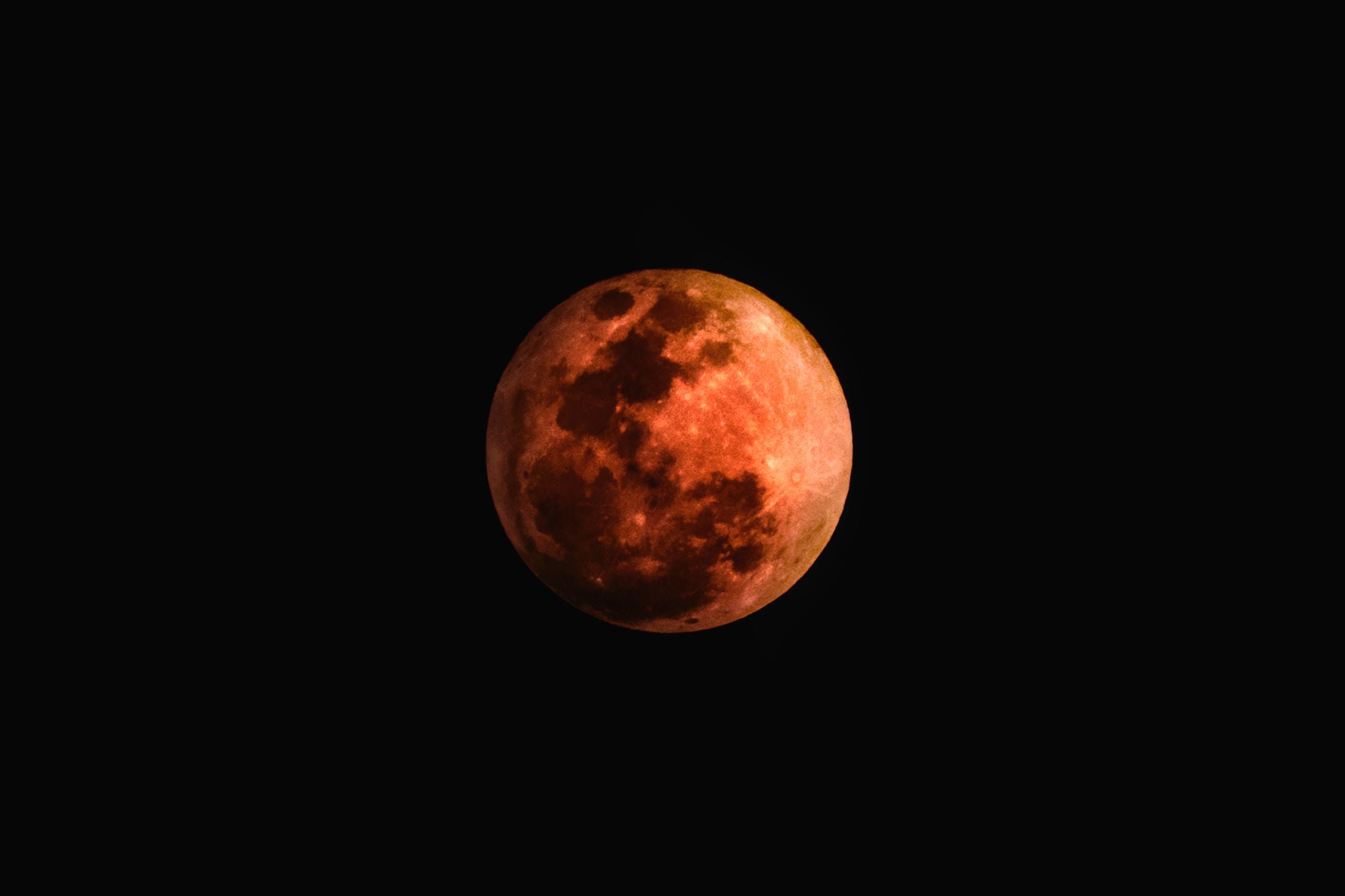 Haustmánuður. moon stories