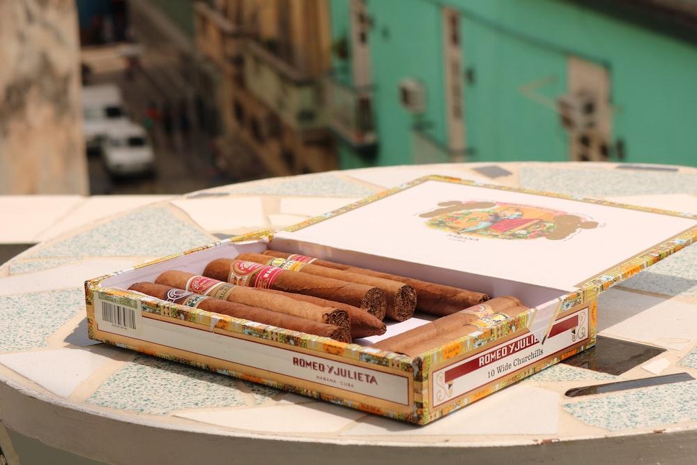 brown tobacco on box