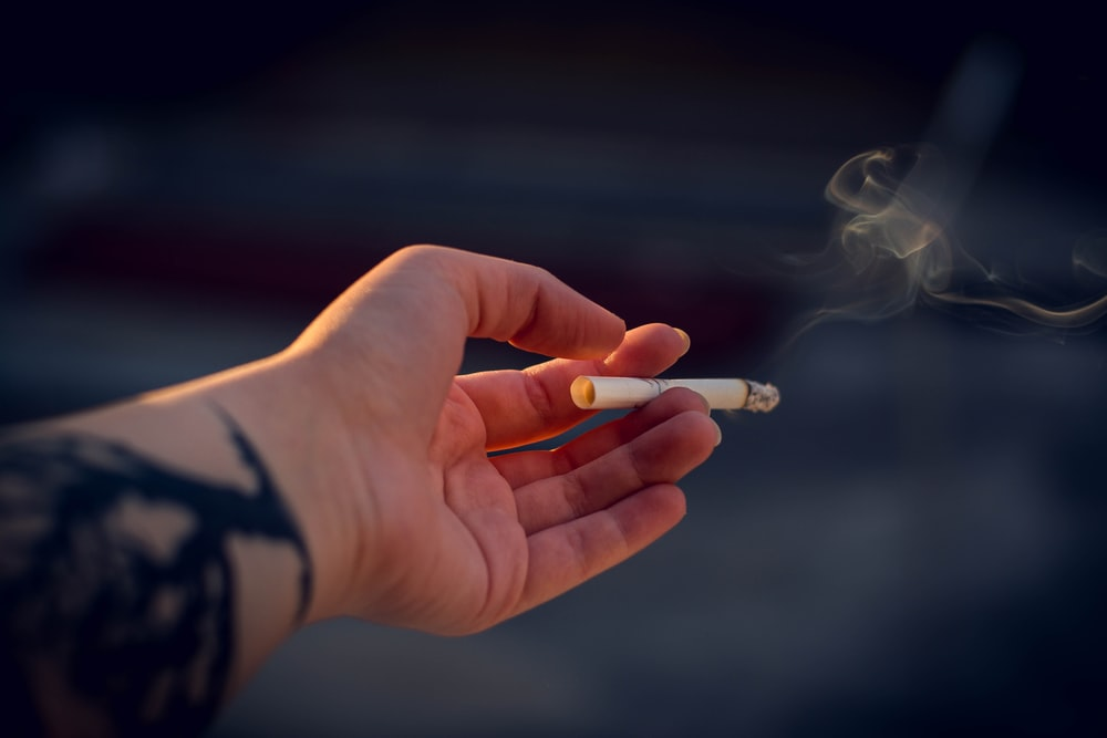 27 Cigarette Pictures Download Free Images On Unsplash