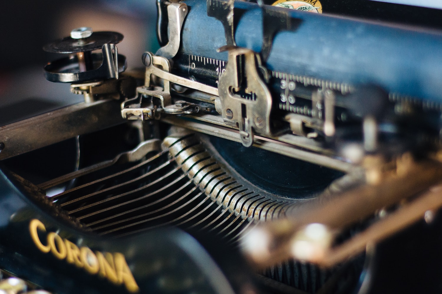 Image focusing the parts the old typing machine