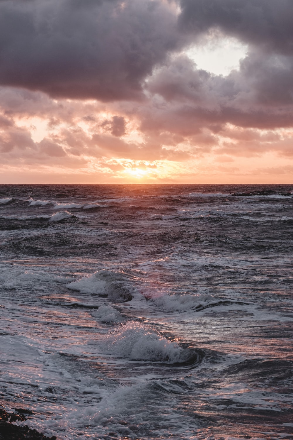 water waves during dawn