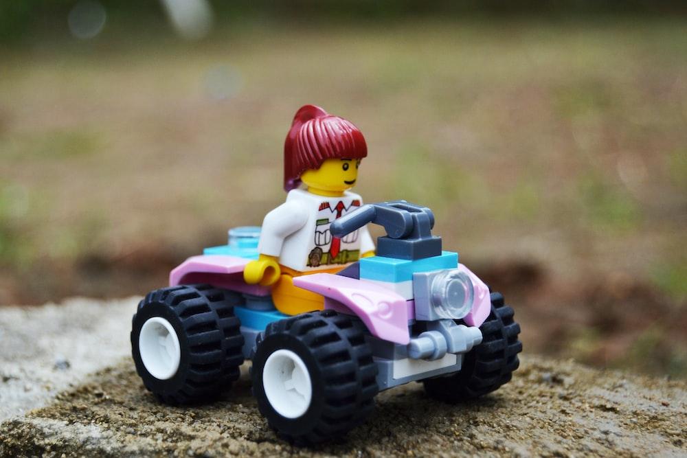 LEGO girl character minifig