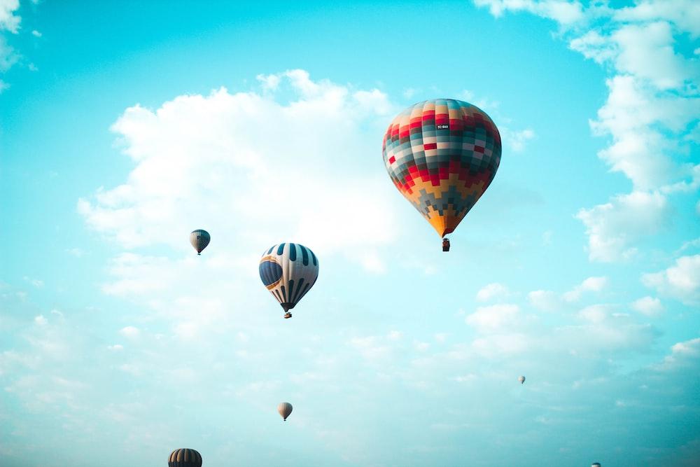 flying hot air balloons