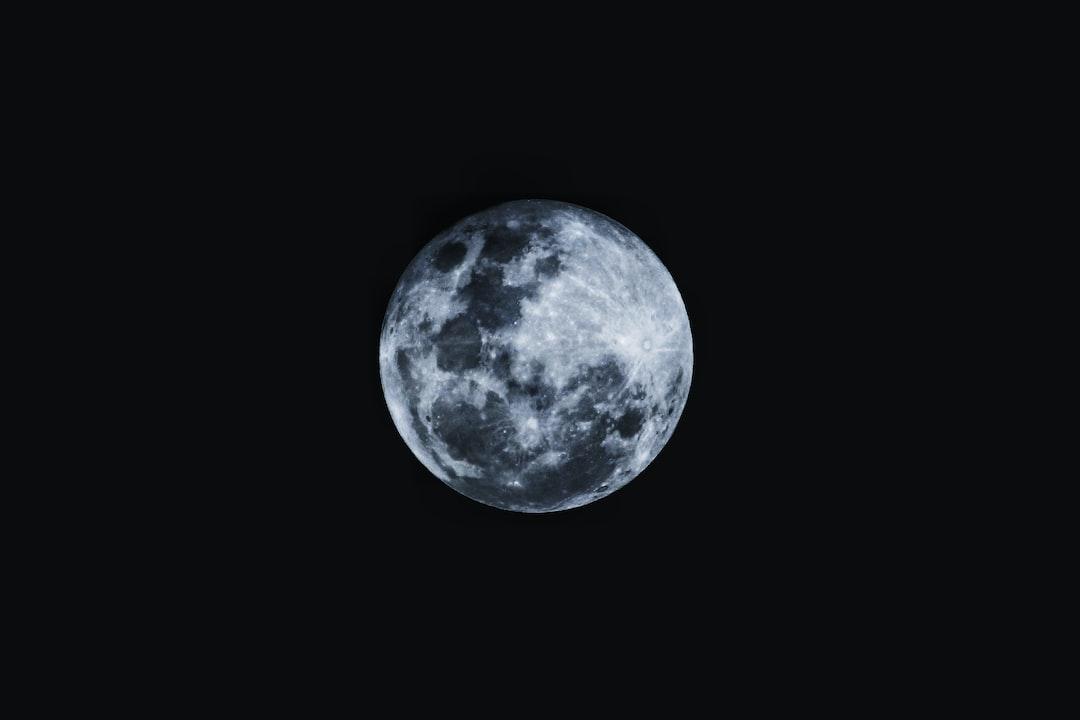 round moon with black u003cbu003ebackgroundu003c/bu003e photo u2013 Free Moon Image on ...
