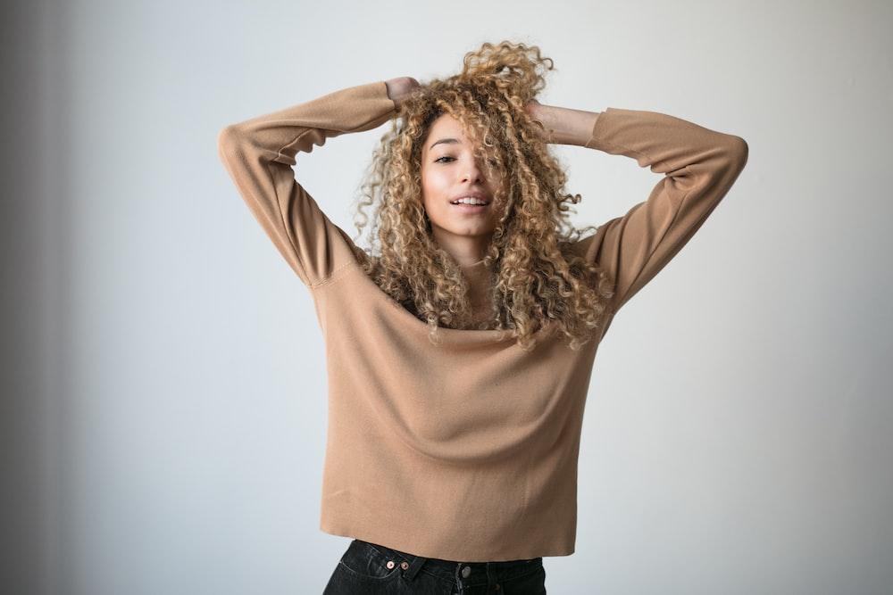 women's brown long-sleeved blouse