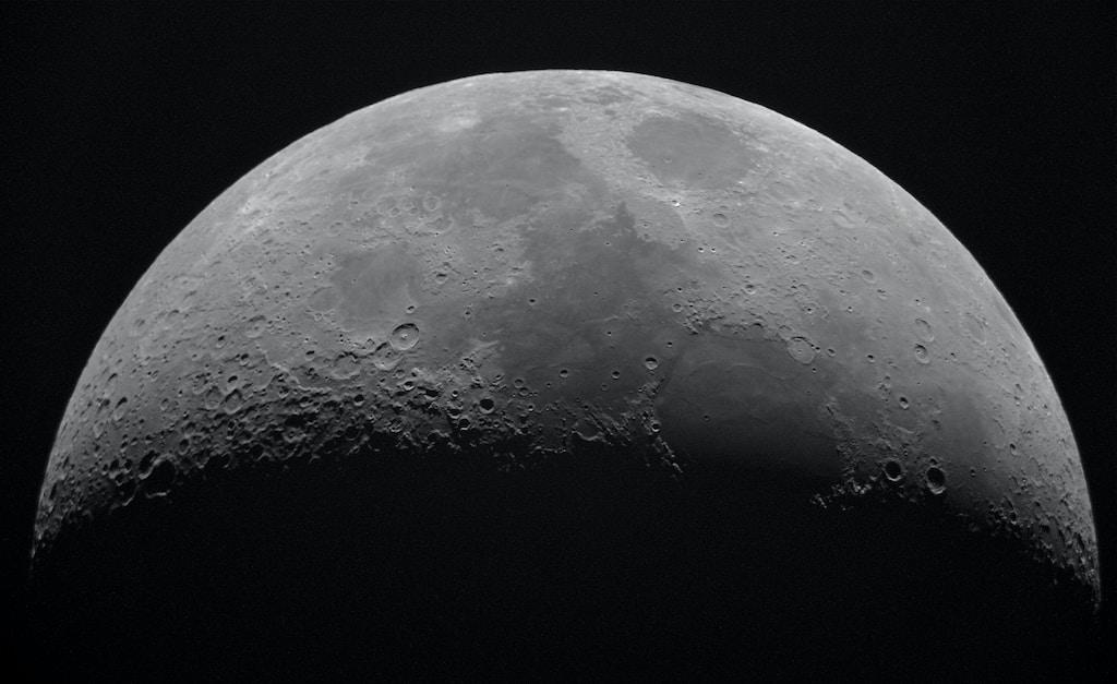 Notizie sulla Luna radioattiva